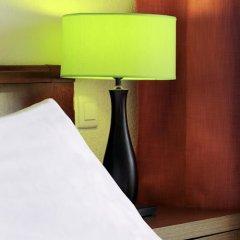 Отель H10 Vintage Salou сейф в номере