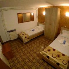 Отель Villa Golf Черногория, Будва - отзывы, цены и фото номеров - забронировать отель Villa Golf онлайн удобства в номере фото 2