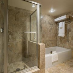 Отель Victoria Marriott Inner Harbour Канада, Виктория - отзывы, цены и фото номеров - забронировать отель Victoria Marriott Inner Harbour онлайн ванная фото 2