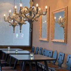 Отель Motel One Salzburg-Mirabell Зальцбург помещение для мероприятий