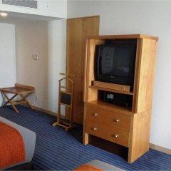 Отель Real Inn Perinorte Тлальнепантла-де-Бас удобства в номере