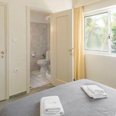 Отель Tricot Beachfront House Pefkohori Греция, Пефкохори - отзывы, цены и фото номеров - забронировать отель Tricot Beachfront House Pefkohori онлайн ванная