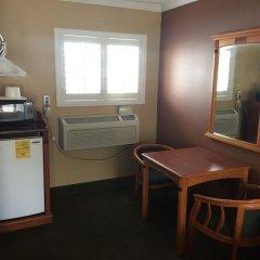 Отель Bevonshire Lodge Motel США, Лос-Анджелес - 1 отзыв об отеле, цены и фото номеров - забронировать отель Bevonshire Lodge Motel онлайн удобства в номере