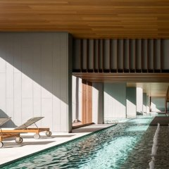 Отель Cozy One Bedroom Condo In Nana Asoke Бангкок бассейн