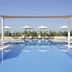 Movenpick Hotel Apartments Al Mamzar Dubai бассейн фото 2