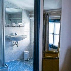 Отель Hôtel Exelmans ванная
