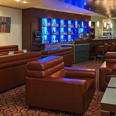 Отель Hilton Cologne Германия, Кёльн - 3 отзыва об отеле, цены и фото номеров - забронировать отель Hilton Cologne онлайн интерьер отеля фото 2