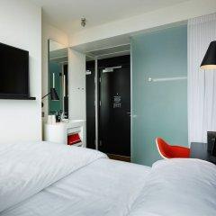 Отель citizenM Amstel Amsterdam Нидерланды, Амстердам - отзывы, цены и фото номеров - забронировать отель citizenM Amstel Amsterdam онлайн комната для гостей фото 2
