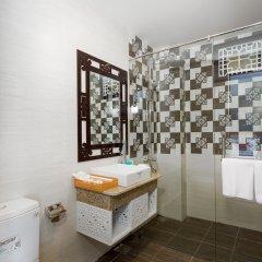 Отель Hoi An Golden Holiday Villa ванная фото 2