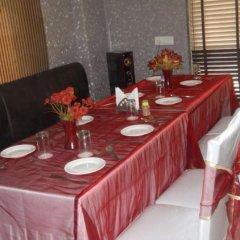 Отель La Vista Индия, Нью-Дели - отзывы, цены и фото номеров - забронировать отель La Vista онлайн питание
