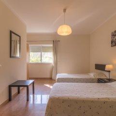 Отель Villas2Go2 Alvor Villa Португалия, Портимао - отзывы, цены и фото номеров - забронировать отель Villas2Go2 Alvor Villa онлайн комната для гостей фото 5
