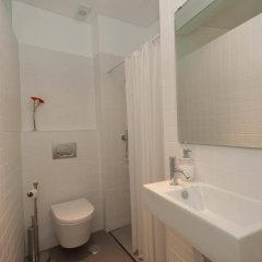 Отель Shortstayflat - Alfama Португалия, Лиссабон - отзывы, цены и фото номеров - забронировать отель Shortstayflat - Alfama онлайн ванная фото 2