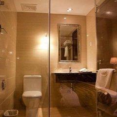 Отель Overseas Capital Hotel Китай, Джиангме - отзывы, цены и фото номеров - забронировать отель Overseas Capital Hotel онлайн ванная