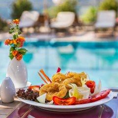 Happy Hotel Kalkan Турция, Калкан - отзывы, цены и фото номеров - забронировать отель Happy Hotel Kalkan онлайн спортивное сооружение