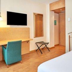 Отель NH Porta Barcelona удобства в номере