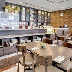 Отель Prescott Hotel KL Medan Tuanku Малайзия, Куала-Лумпур - 1 отзыв об отеле, цены и фото номеров - забронировать отель Prescott Hotel KL Medan Tuanku онлайн питание фото 3