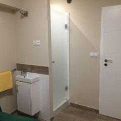 Отель Indigo Rooms Польша, Варшава - отзывы, цены и фото номеров - забронировать отель Indigo Rooms онлайн ванная