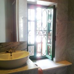 Dar Traki Medina de Tunis in Tunis, Tunisia from 97$, photos, reviews - zenhotels.com bathroom