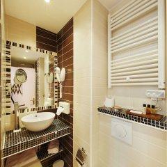Отель POUSSIN Париж ванная фото 2