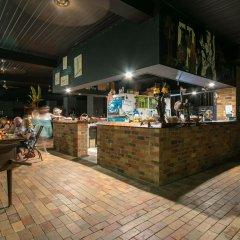 Отель Daintree Wild Zoo & Bed and Breakfast гостиничный бар