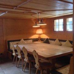 Отель Gstaad - Great Luxurious Farmhouse в номере фото 2