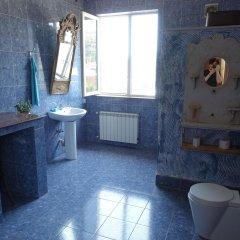 Отель Diwan Hostel Грузия, Тбилиси - отзывы, цены и фото номеров - забронировать отель Diwan Hostel онлайн ванная фото 2