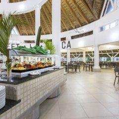 Отель Be Live Experience Hamaca Beach - All Inclusive Доминикана, Бока Чика - 1 отзыв об отеле, цены и фото номеров - забронировать отель Be Live Experience Hamaca Beach - All Inclusive онлайн питание фото 2