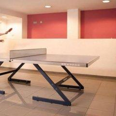 Отель Residencia de estudiantes Onix спортивное сооружение