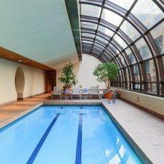 Отель Metropolitan Hotel Vancouver Канада, Ванкувер - отзывы, цены и фото номеров - забронировать отель Metropolitan Hotel Vancouver онлайн бассейн