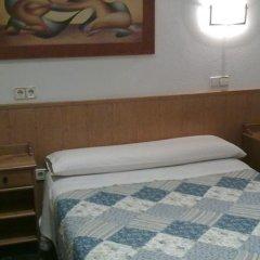 Отель Hostal Bruña Мадрид сейф в номере