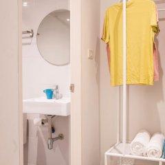 Отель Bed N Bev Pattaya - Hostel Таиланд, Паттайя - отзывы, цены и фото номеров - забронировать отель Bed N Bev Pattaya - Hostel онлайн ванная