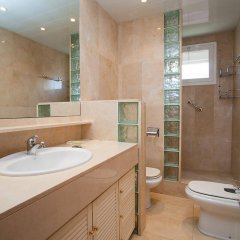 Отель Sants-Les Corts: Galileu Барселона ванная фото 2