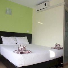 Отель Rayaan Guest House Phuket сейф в номере