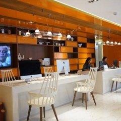 S Box Sukhumvit Hotel гостиничный бар