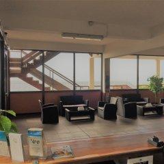 Отель Tahiti Airport Motel гостиничный бар
