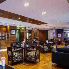 Отель Hilton Dubai The Walk гостиничный бар