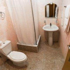 Гостиница Парк-отель Ершово в Звенигороде отзывы, цены и фото номеров - забронировать гостиницу Парк-отель Ершово онлайн Звенигород ванная