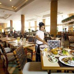 Отель Jomtien Palm Beach Hotel And Resort Таиланд, Паттайя - 10 отзывов об отеле, цены и фото номеров - забронировать отель Jomtien Palm Beach Hotel And Resort онлайн питание