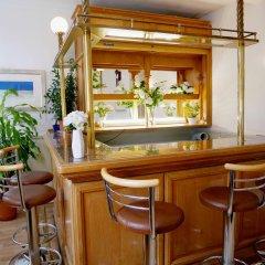 Gresham Hotel гостиничный бар