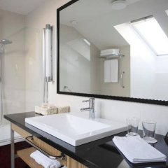 Neiburgs Hotel Рига ванная