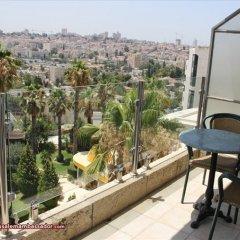 Ambassador Hotel Jerusalem Израиль, Иерусалим - отзывы, цены и фото номеров - забронировать отель Ambassador Hotel Jerusalem онлайн балкон