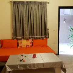 Апартаменты Green Garden Apartment комната для гостей фото 3