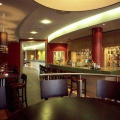 Отель Courtyard by Marriott Berlin City Center гостиничный бар