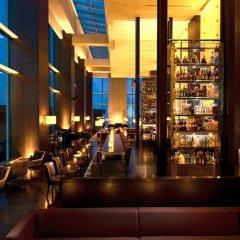 Отель Conrad Tokyo Япония, Токио - отзывы, цены и фото номеров - забронировать отель Conrad Tokyo онлайн гостиничный бар