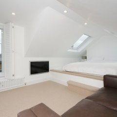 Отель 2 Bedroom Flat Near Hampstead Heath Лондон комната для гостей