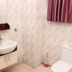 Отель Ritz-Carinton Suites Нигерия, Энугу - отзывы, цены и фото номеров - забронировать отель Ritz-Carinton Suites онлайн ванная