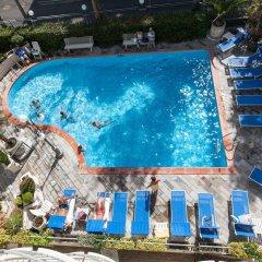 Отель Ambassador Италия, Римини - 1 отзыв об отеле, цены и фото номеров - забронировать отель Ambassador онлайн бассейн