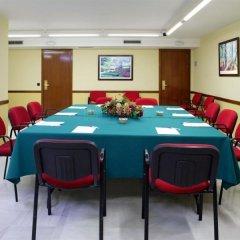 Отель Monte Triana Испания, Севилья - отзывы, цены и фото номеров - забронировать отель Monte Triana онлайн помещение для мероприятий фото 2
