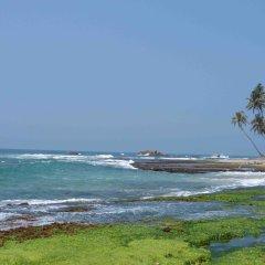 Отель Lahiru Villa пляж
