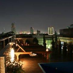 Отель Ekkamai Prestige Бангкок бассейн